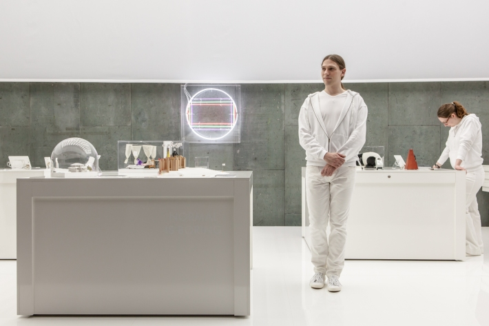 nervoese systeme_white room_c_laura fiorio_2.jpg